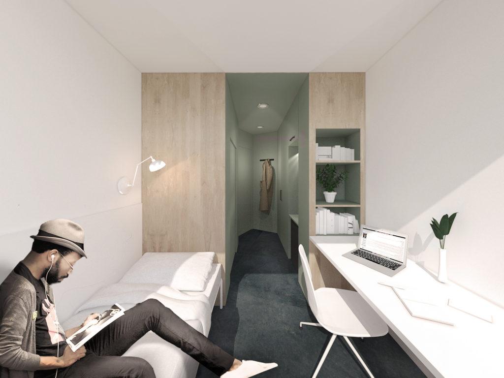"""Visuel représentant l'intérieur de la chambre étudiante type de la résidence universitaire """"Le triolet"""" pour le Crous de Montpellier, avec à gauche un étudiant assis sur le lit, à droite un grand bureau blanc et en arrière plan l'entrée, un bloc humide et des rangements."""